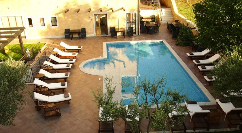 Hotel mit Außenpool in Rovinj Kroatien Istrien